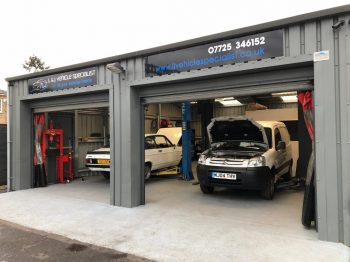 Car Mechanics Garage in Taplow